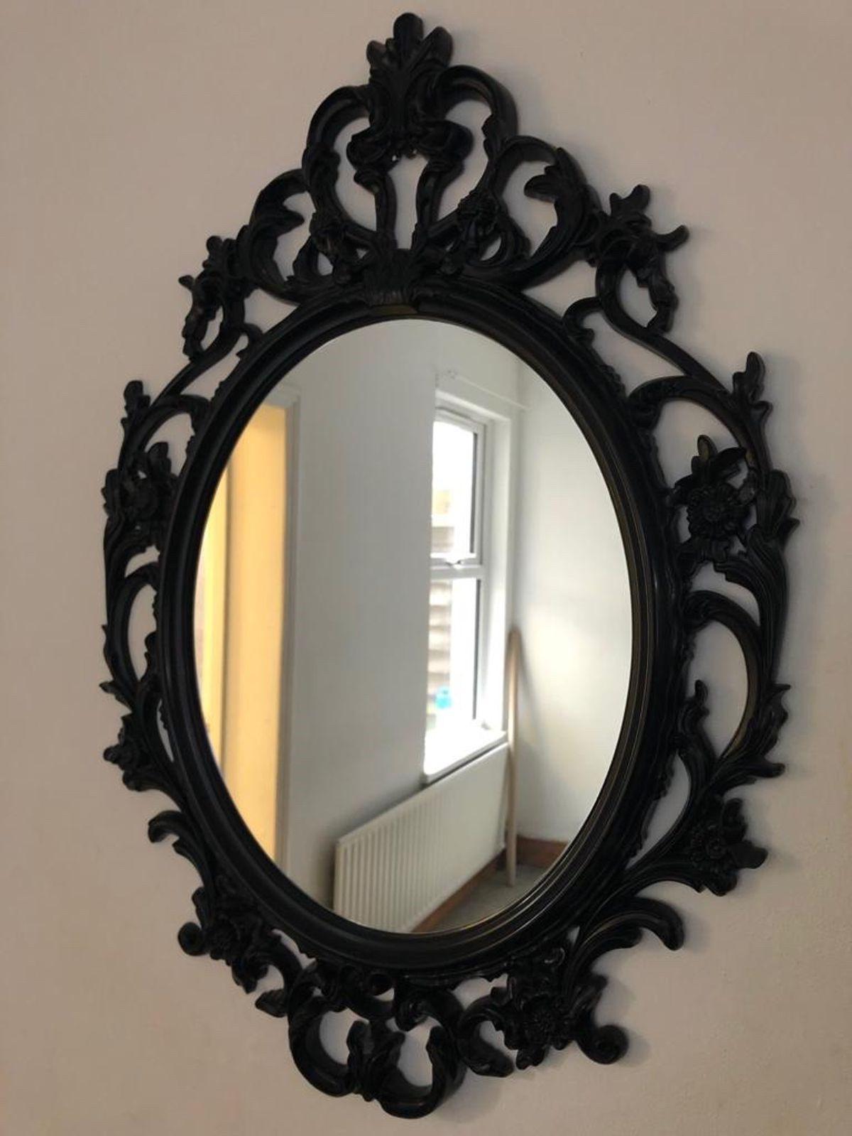 Miroir élégant pour votre entrée.