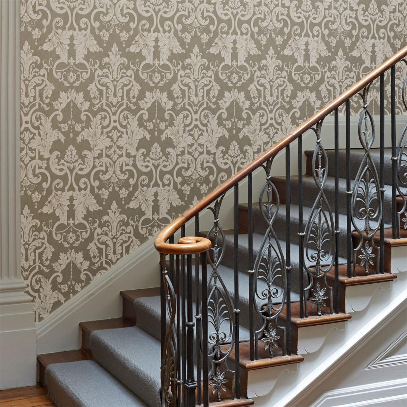Mur décoré du papier peint élégant.
