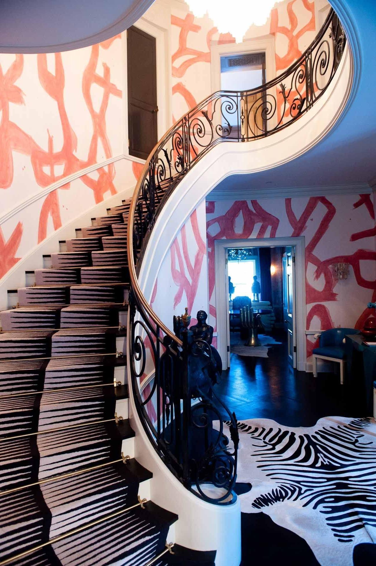 Papier peint élégant pour votre cage d'escalier.
