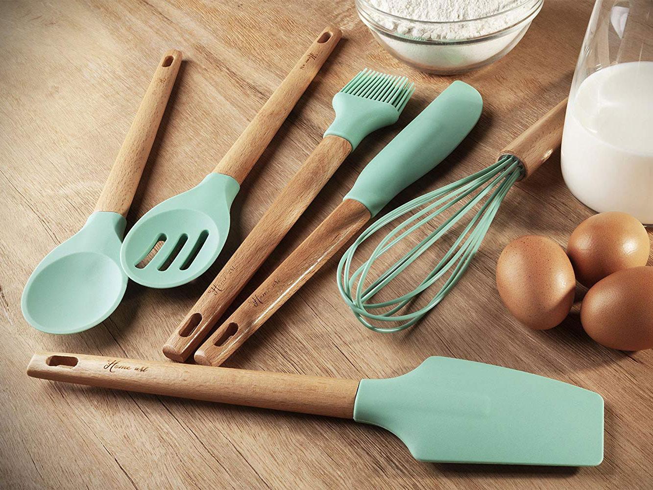 Avant de commencer, assurez-vous d'avoir tous les ustensiles de cuisine nécessaires.