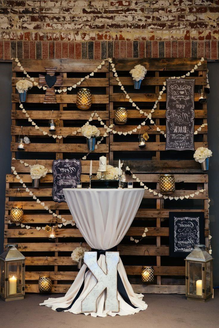 Que faire avec des palettes: décoration festive DIY.