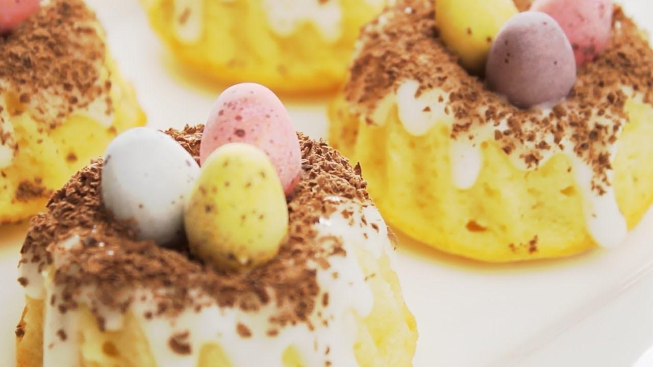 Mini gâteaux en forme de nid.