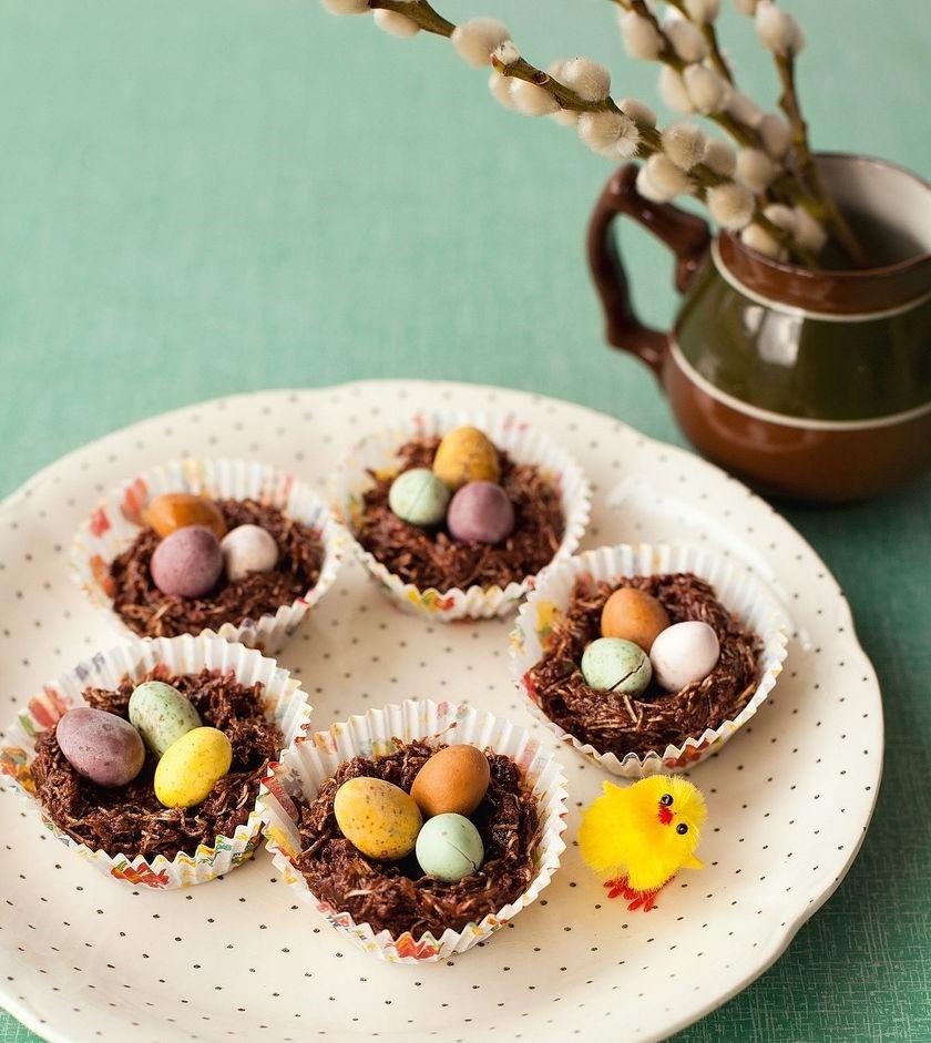 Petits gâteaux Nid de Pâques.
