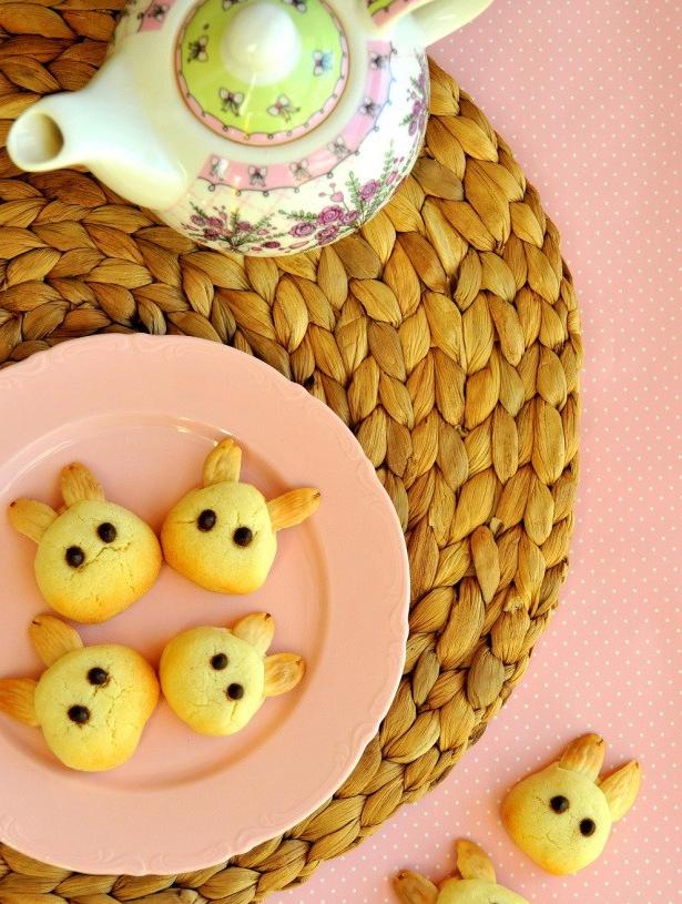 Lapins en forme de lapins pour Pâques