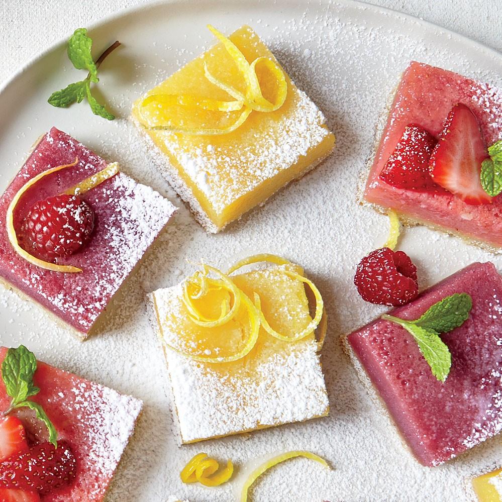 Gâteaux aux fruits de printemps.
