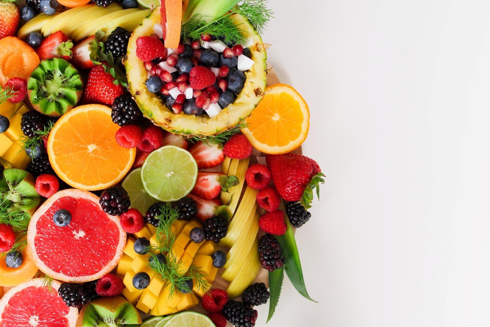 Les fruits sont une précieuse source de vitamines.