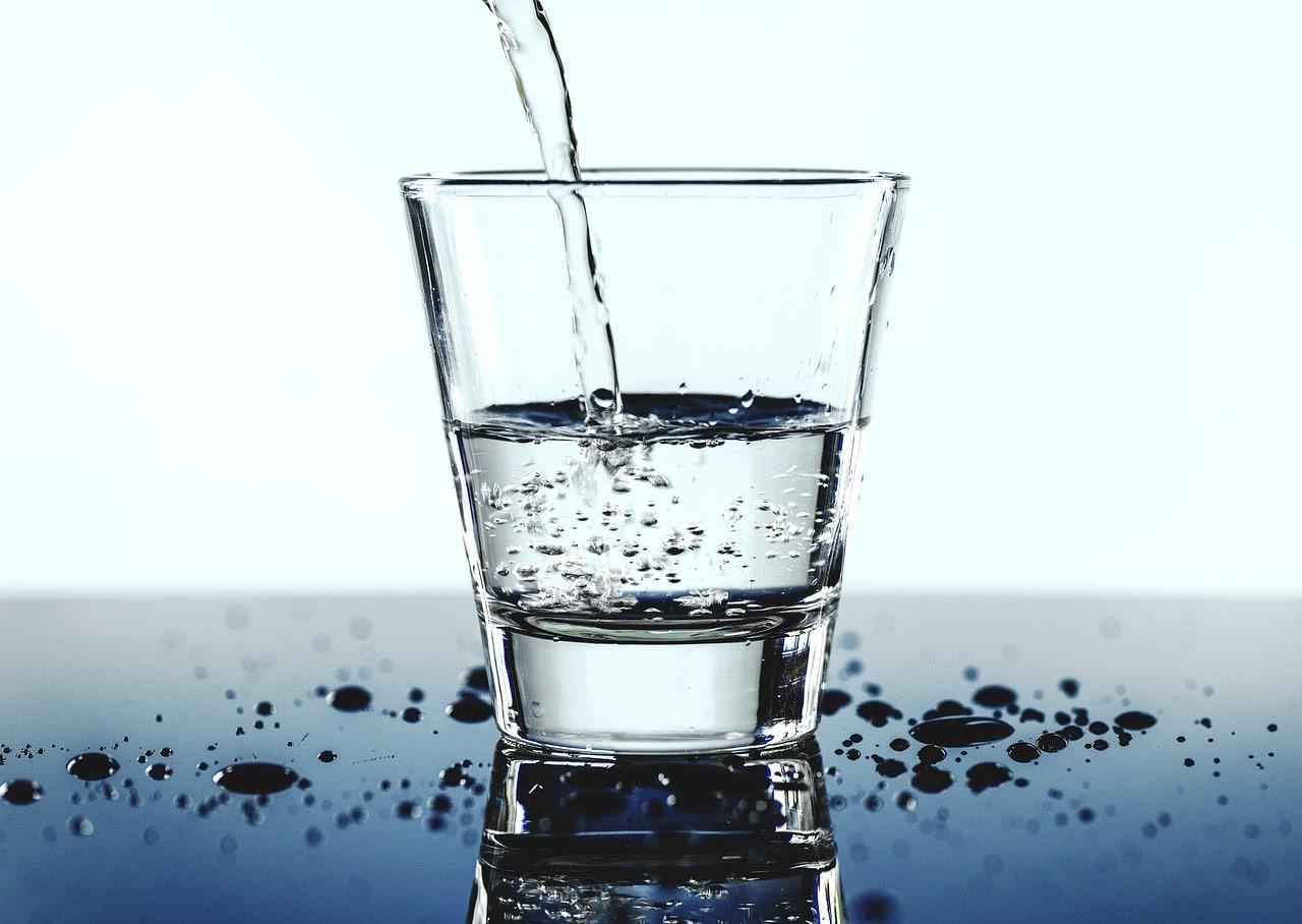 Buvez au moins 2 litres d'eau par jour.