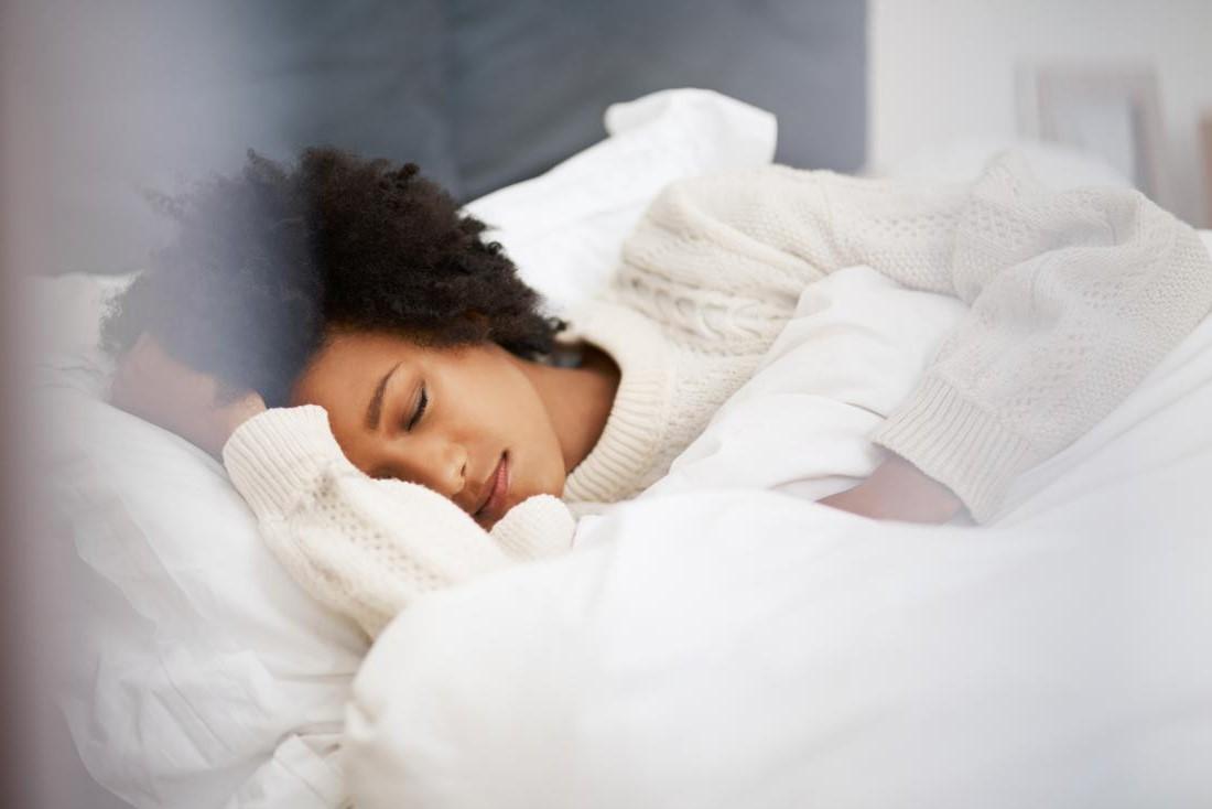 Renforcer le système immunitaire avec suffisamment de sommeil.