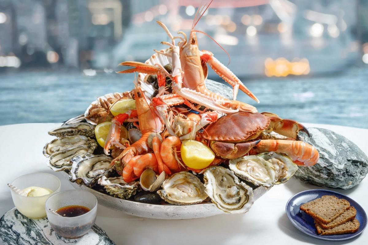 Les fruits de mer sont riches en vitamines et minéraux, contiennent de puissants antioxydants, ainsi que de nombreux acides aminés précieux qui sont rapidement absorbés par le corps.