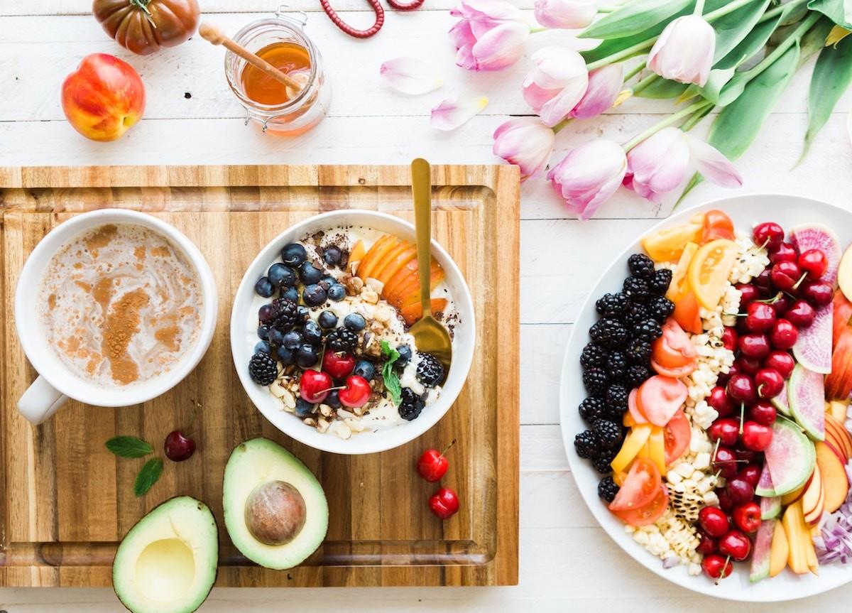 Un petit déjeuner sain est un bon début de journée.