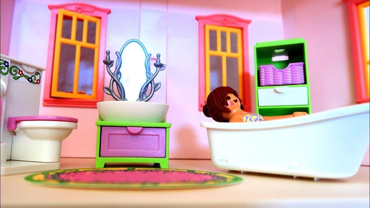 Salle de bains Playmobil pour les filles.