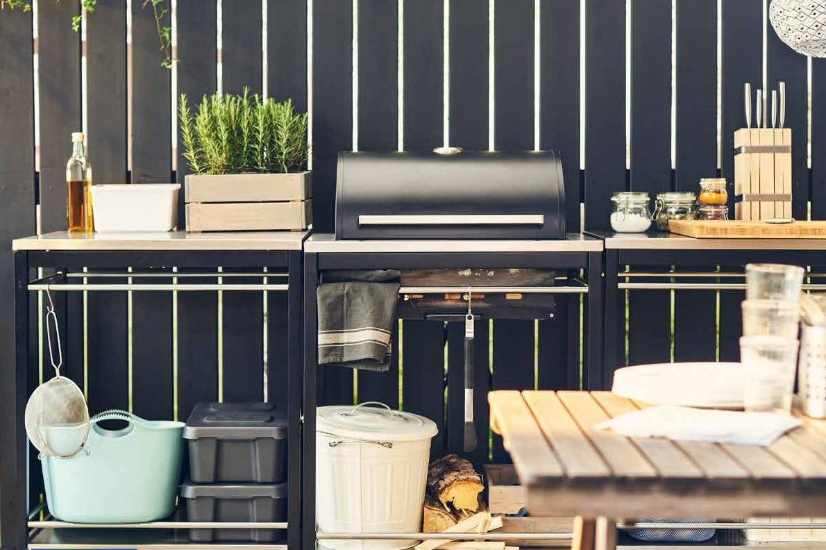 Salon de jardin Ikea - barbecue dans le jardin