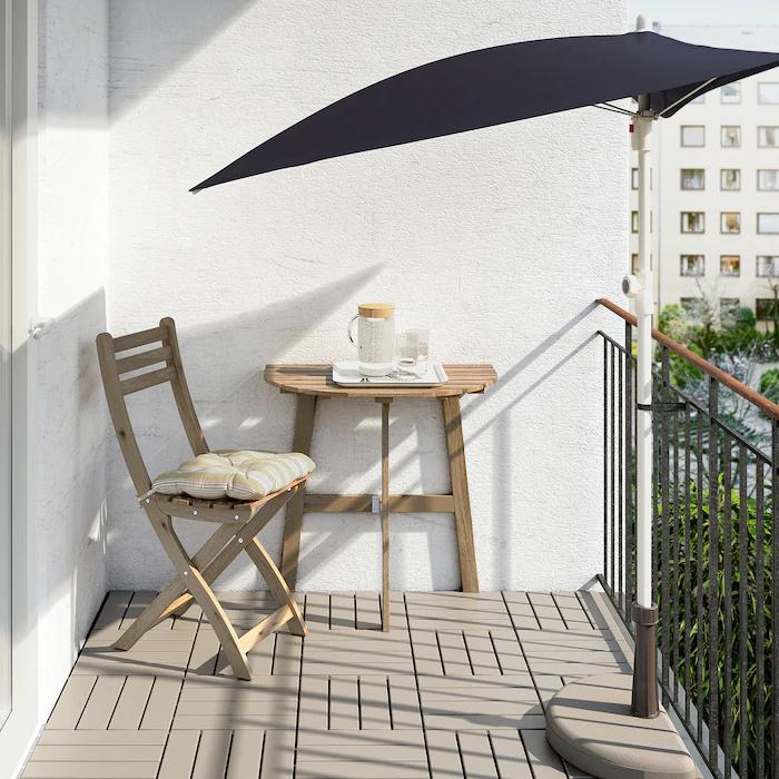 Salon de jardin Ikea - table, chaise et ombrelle pour la terrasse