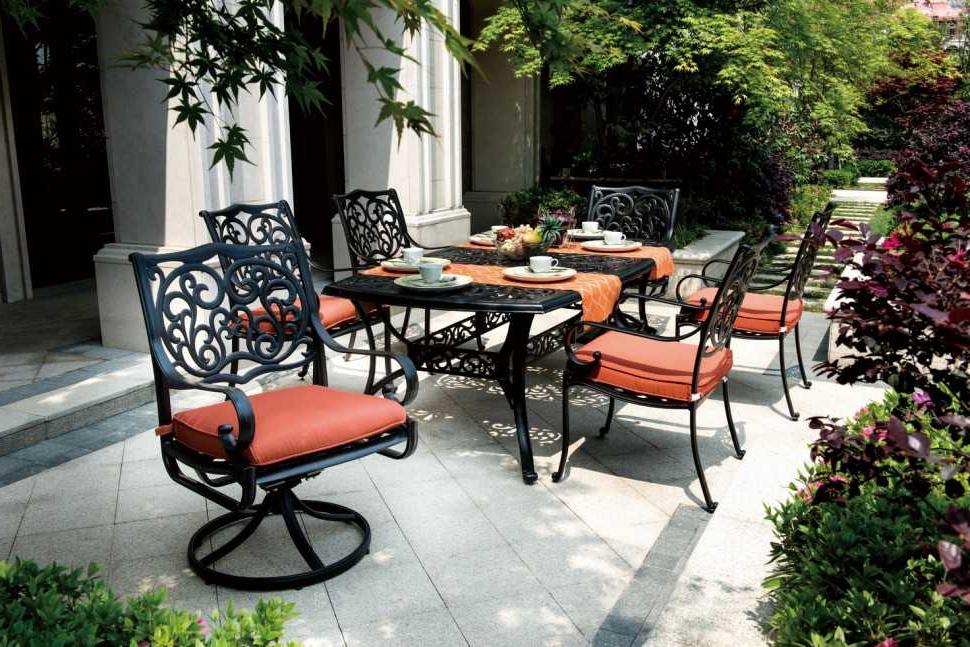 Salon de jardin avec les meubles métalliques du Ikea