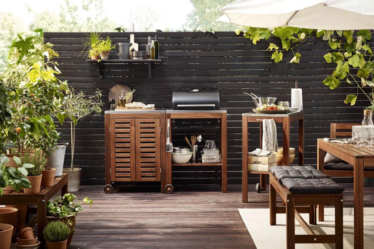 Idée pour meubler un jardin avec mobilier et barbecue d'Ikea