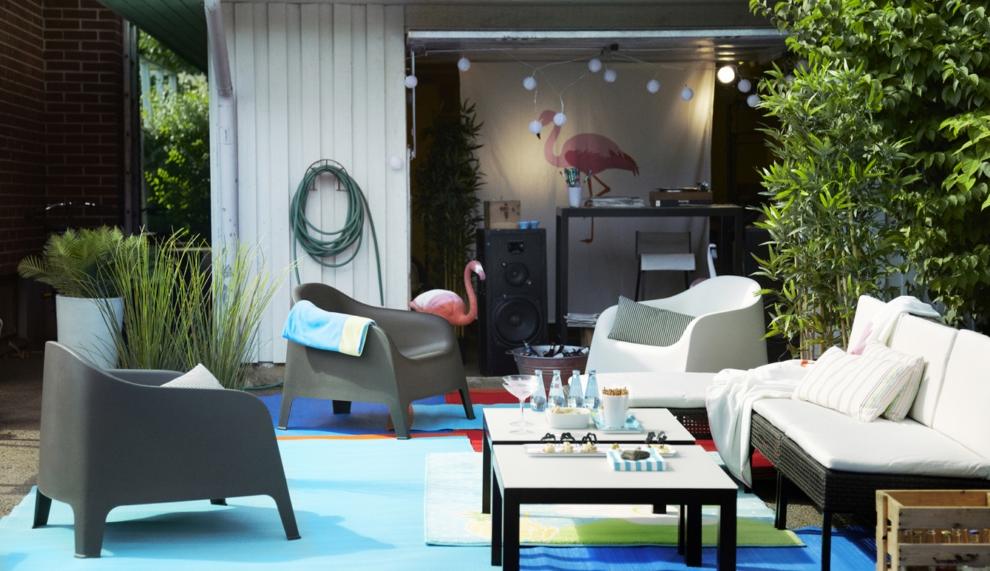 Idée pour un mobilier moderne pour un jardin avec des meubles d'Ikea