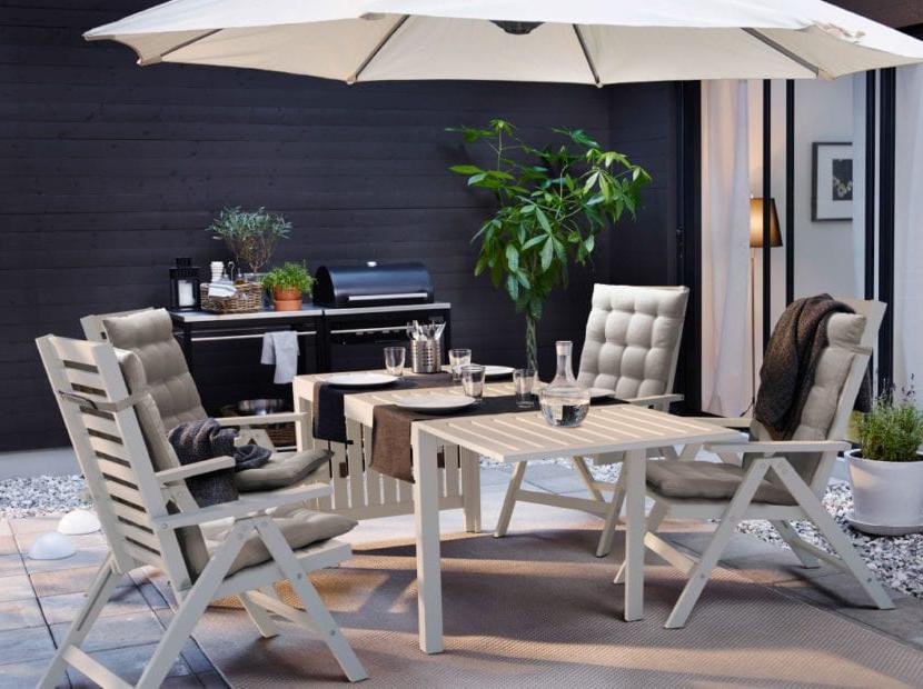 Idée pour barbecue dans le jardin avec des meubles Ikea, convient également pour les terrasses