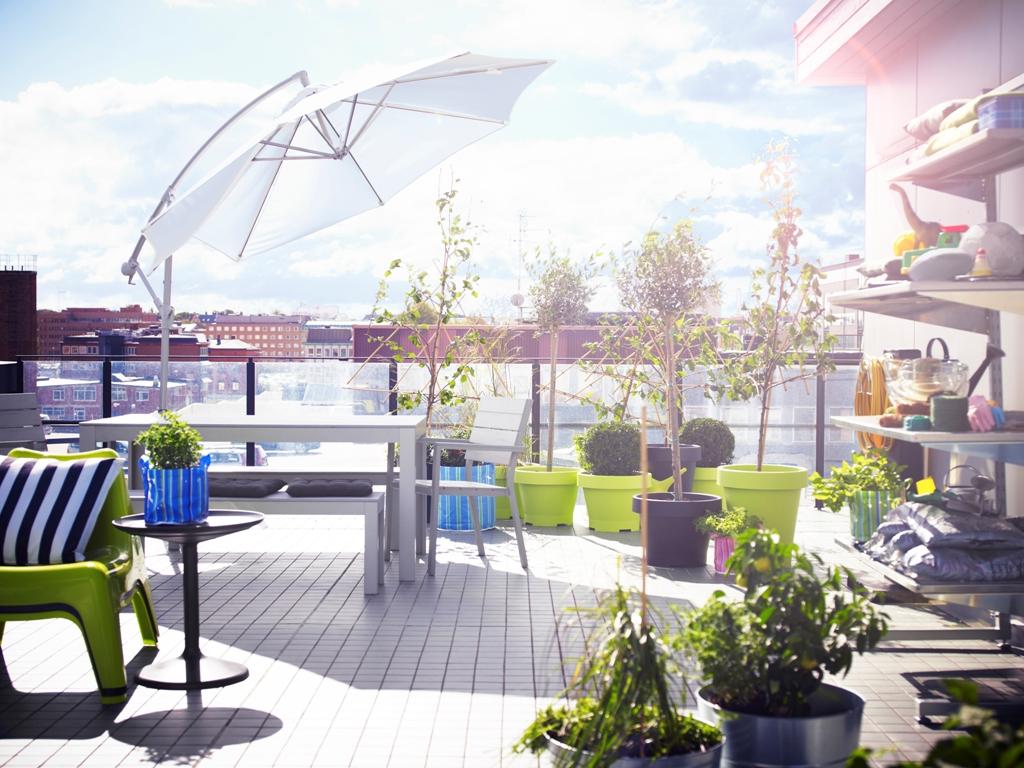 Idée pour un salon de jardin sur le patio de la ville d'Ikea