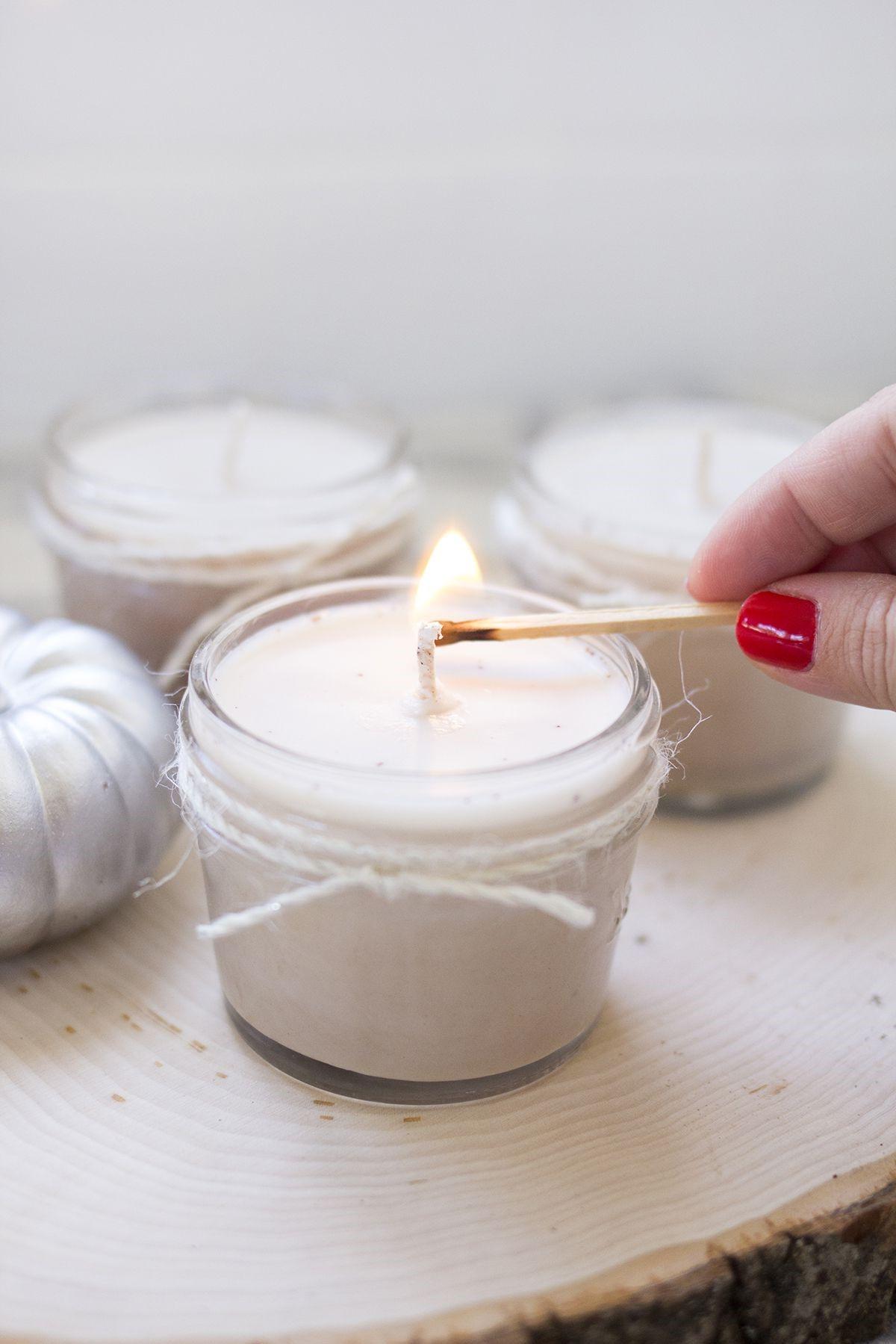 Les bougies ont évolué au fil du temps d'une source de lumière utilitaire à un accent décoratif qui a de nombreux usages et avantages différents.