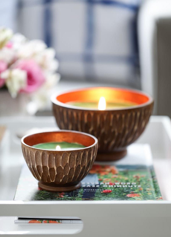 Les bougies ajoutent de la lumière à n'importe quel espace sans la dureté d'une ampoule électrique brillante.