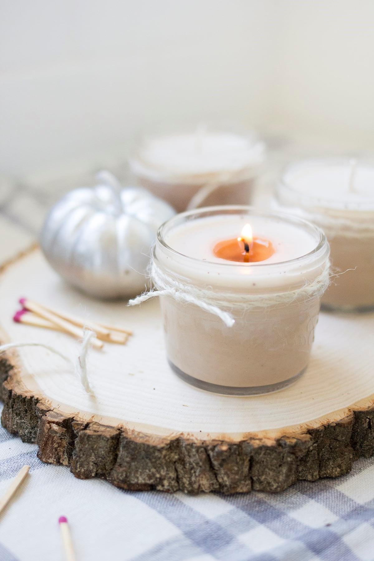Les bougies en eucalyptus sont énergisantes et améliorent la concentration.