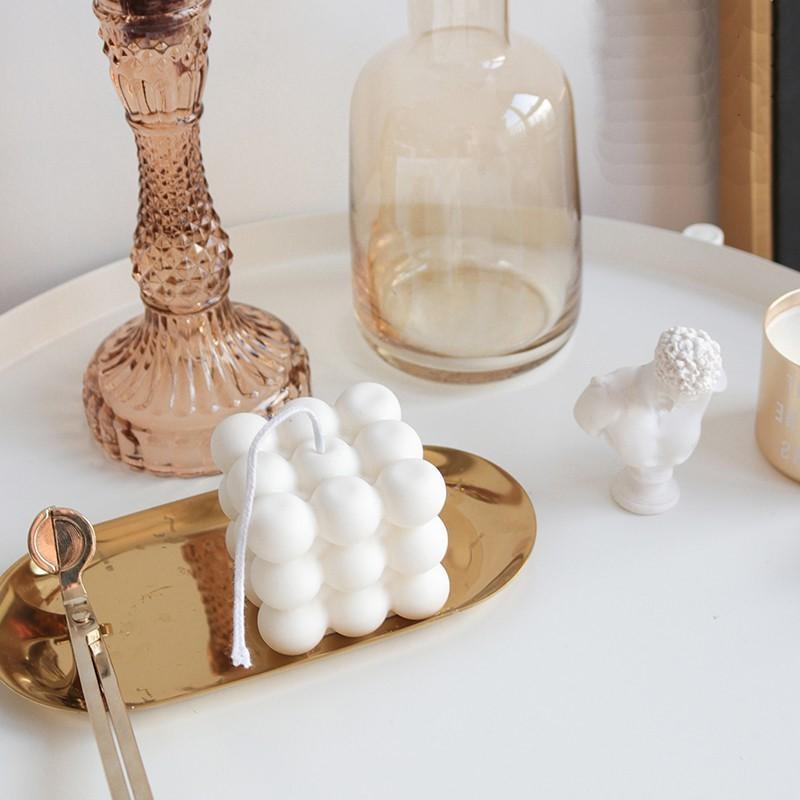 Les bougies sont un moyen élégant d'ajouter la touche finale à n'importe quelle pièce de votre maison.