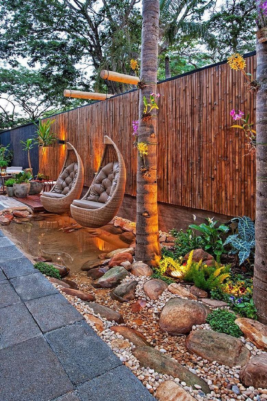 Clôture en bambou exotique.