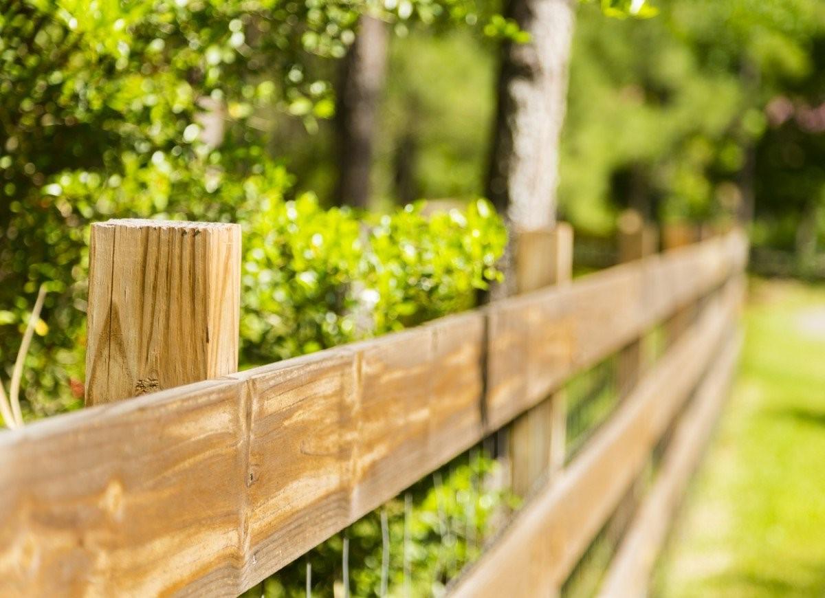 Clôture en bois bon marché.