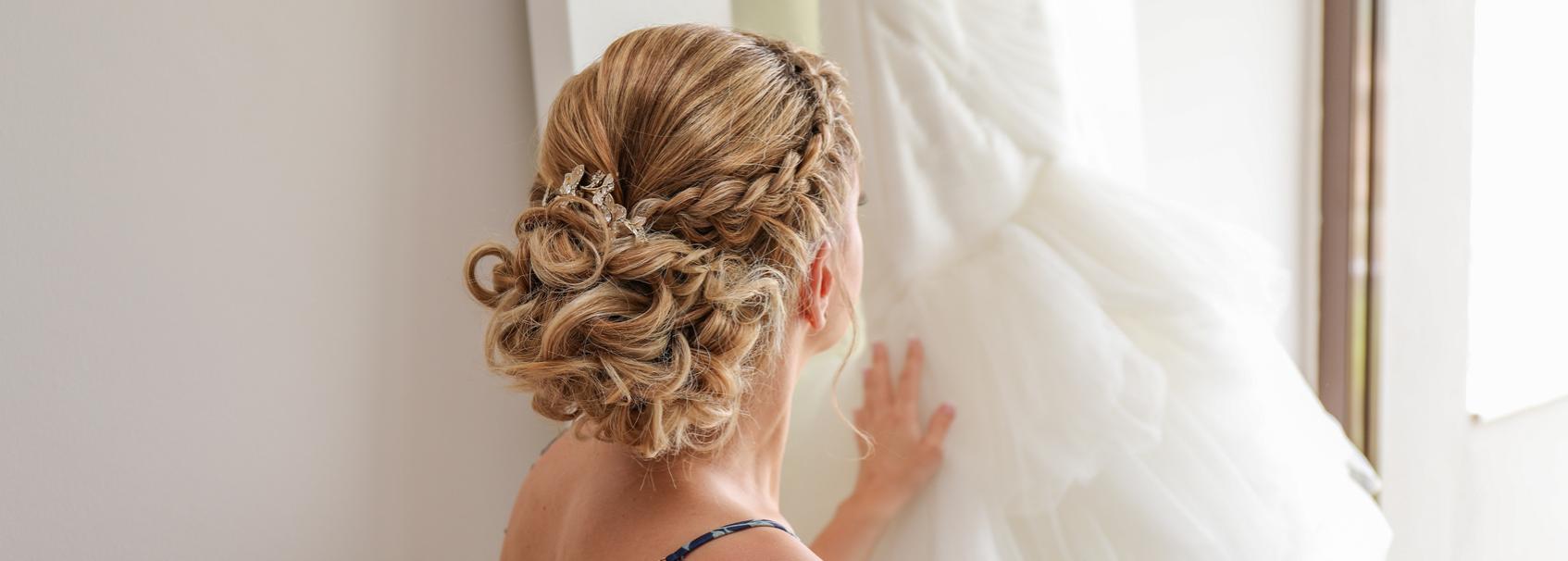 Belle coiffure pour le jour du mariage