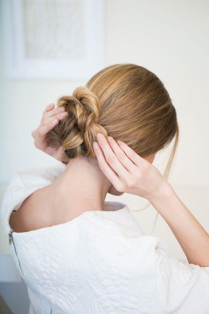 Comment faire une coiffure avec un chignon