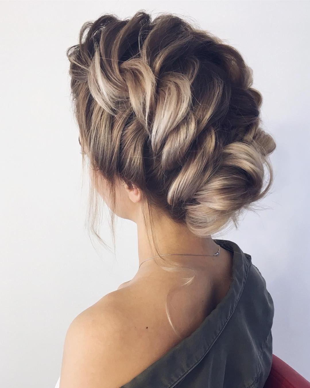 Hairstyle Tied - Cheveux élégamment tressés