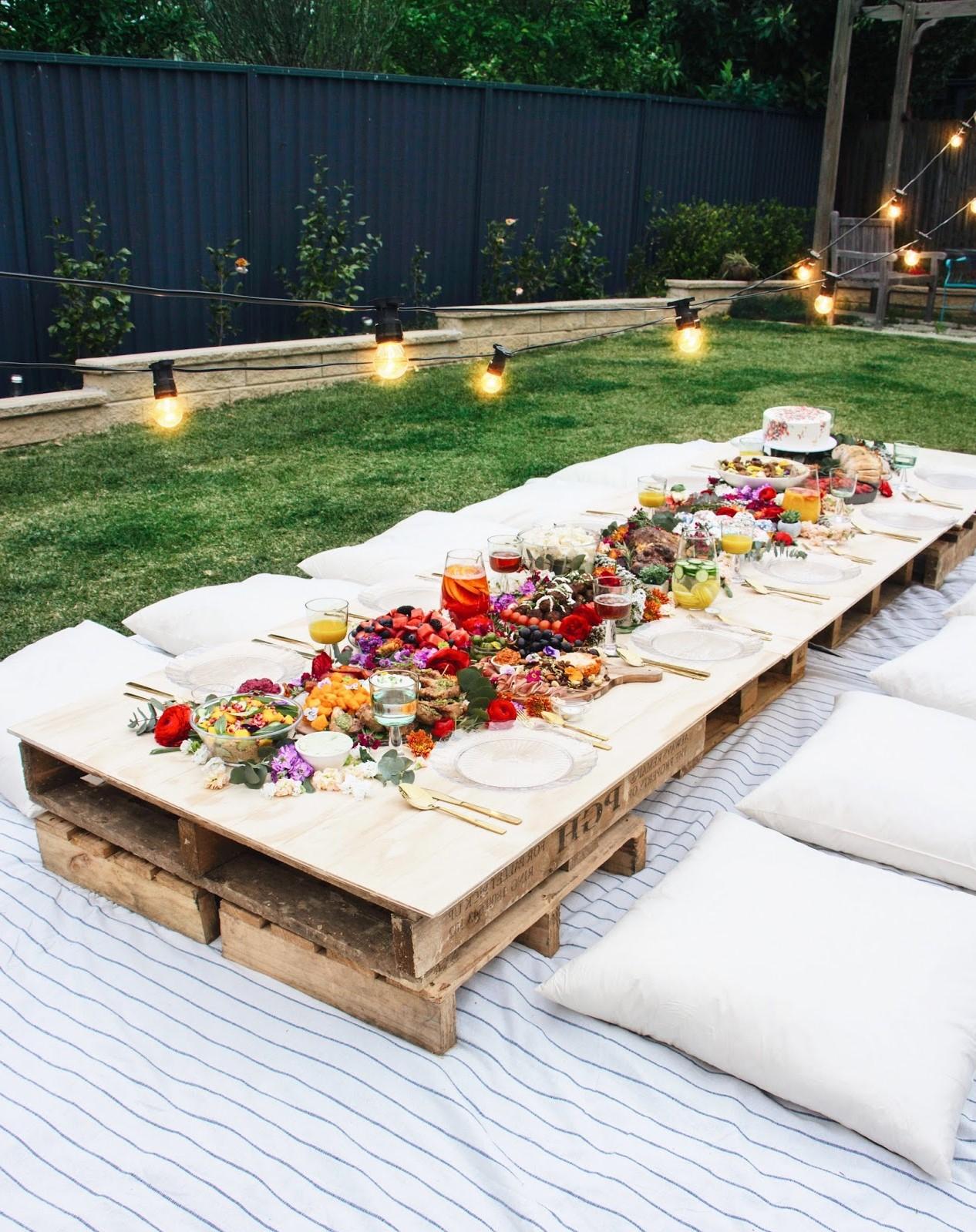 Table basse bricolage pour votre fête en plein air.