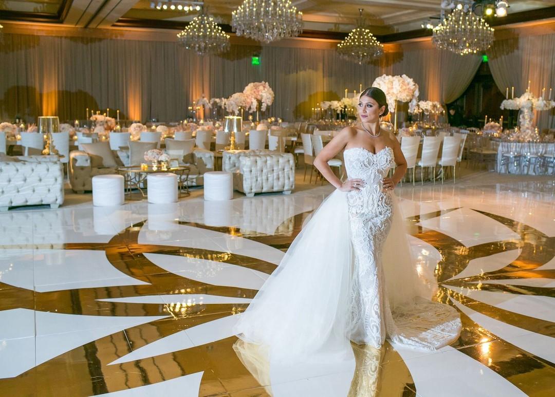 Arrangement de mariage luxueux.