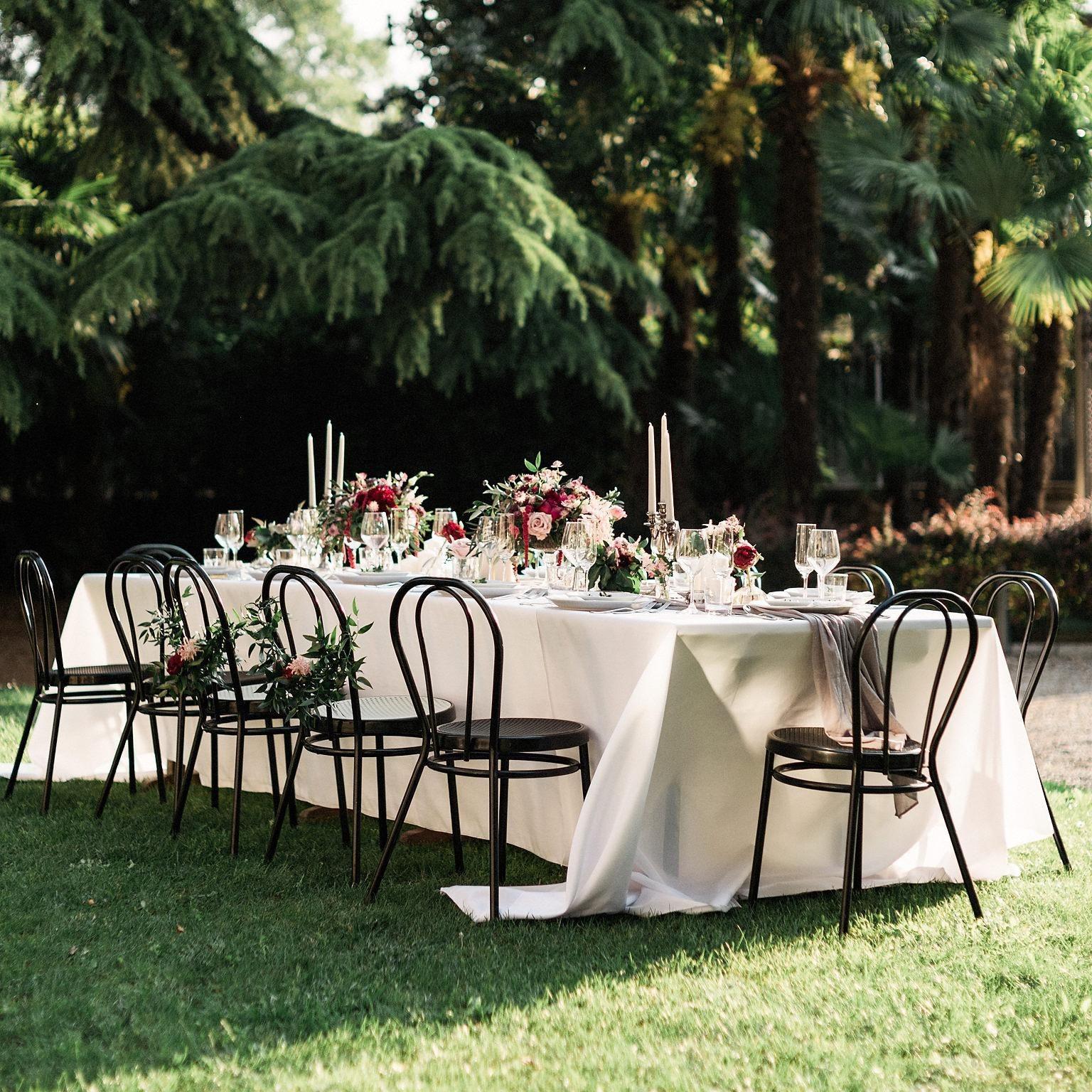 WeddingWire, Inc. est le premier site mondial en ligne reliant les couples engagés à l'événement et aux professionnels créatifs.