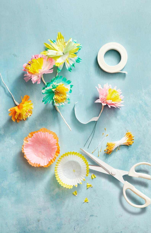 Fleurs en papier DIY.