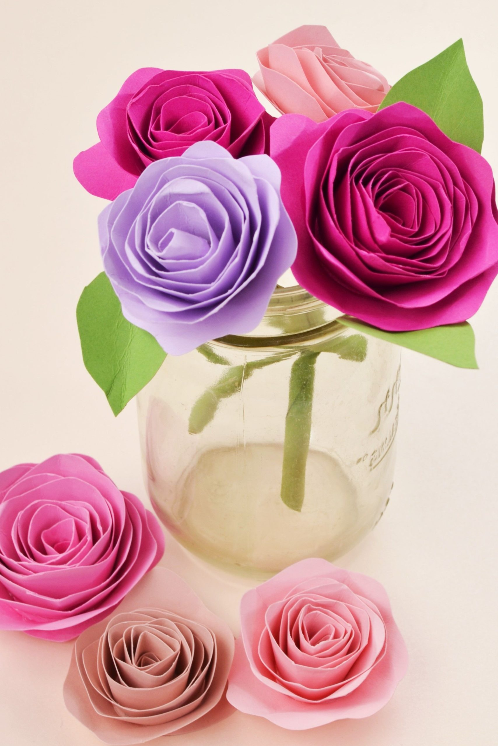 Roses en papier bricolage.