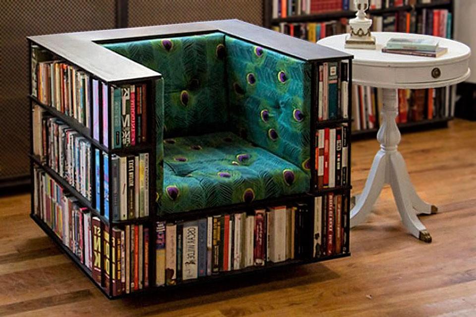 Fauteuil avec espace de rangement pour vos livres préférés.