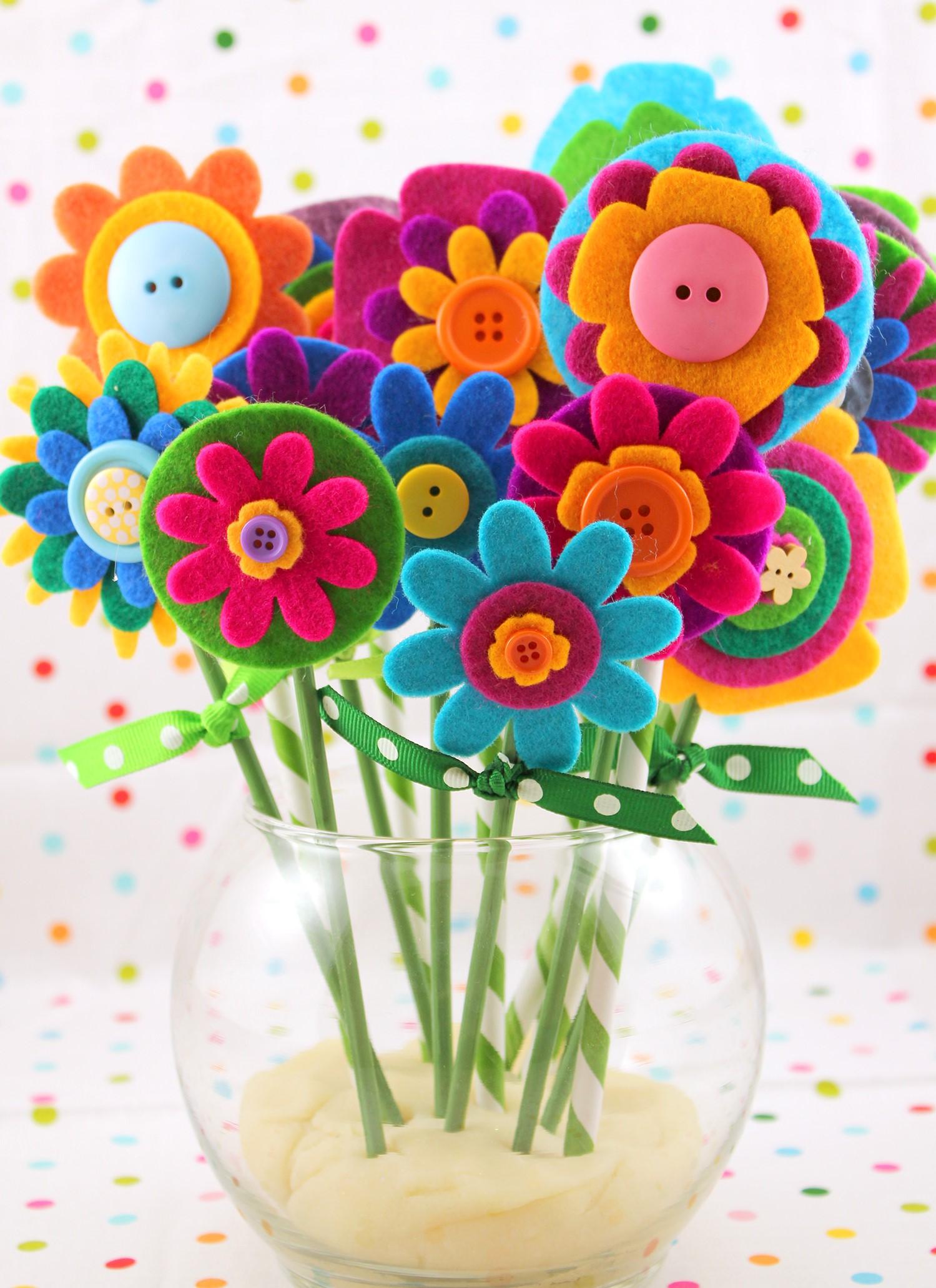 Fête des mères sur Pinterest: bouquet de fleurs en feutre.