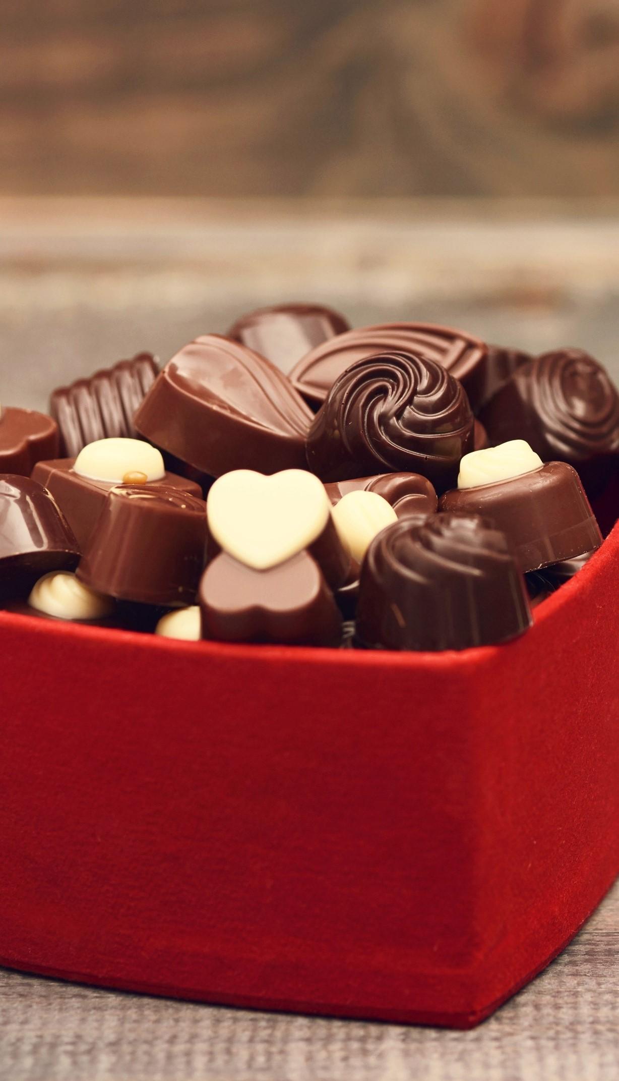 Vous ne vous tromperez jamais avec une boîte de bonbons au chocolat.
