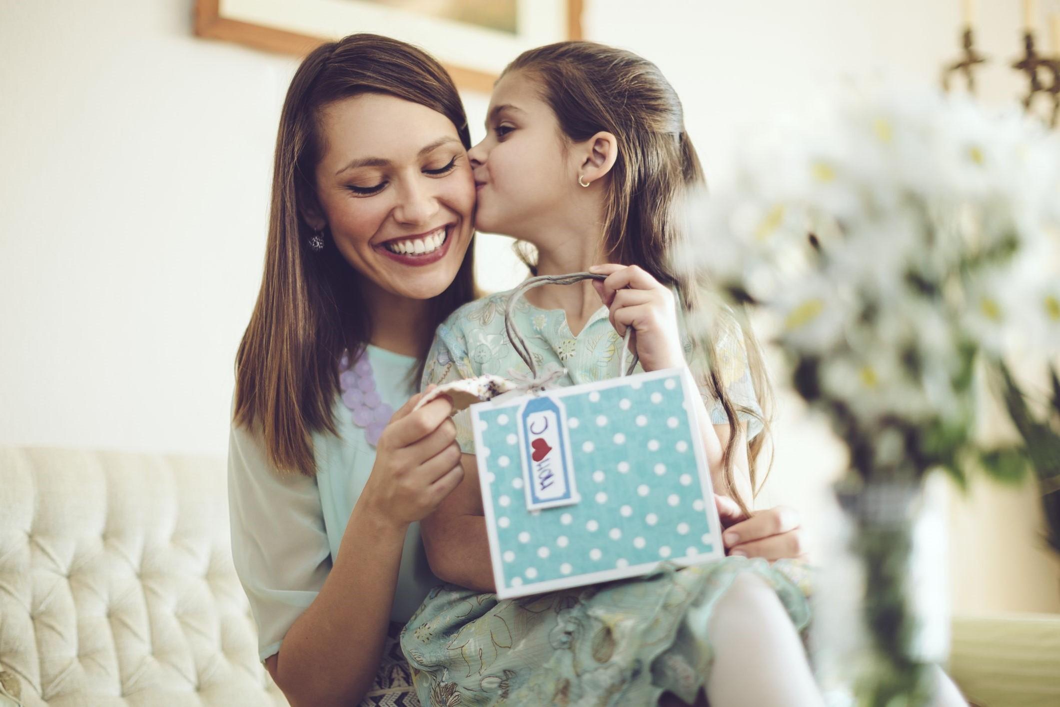 Le meilleur cadeau que vous puissiez offrir à votre maman est votre temps!