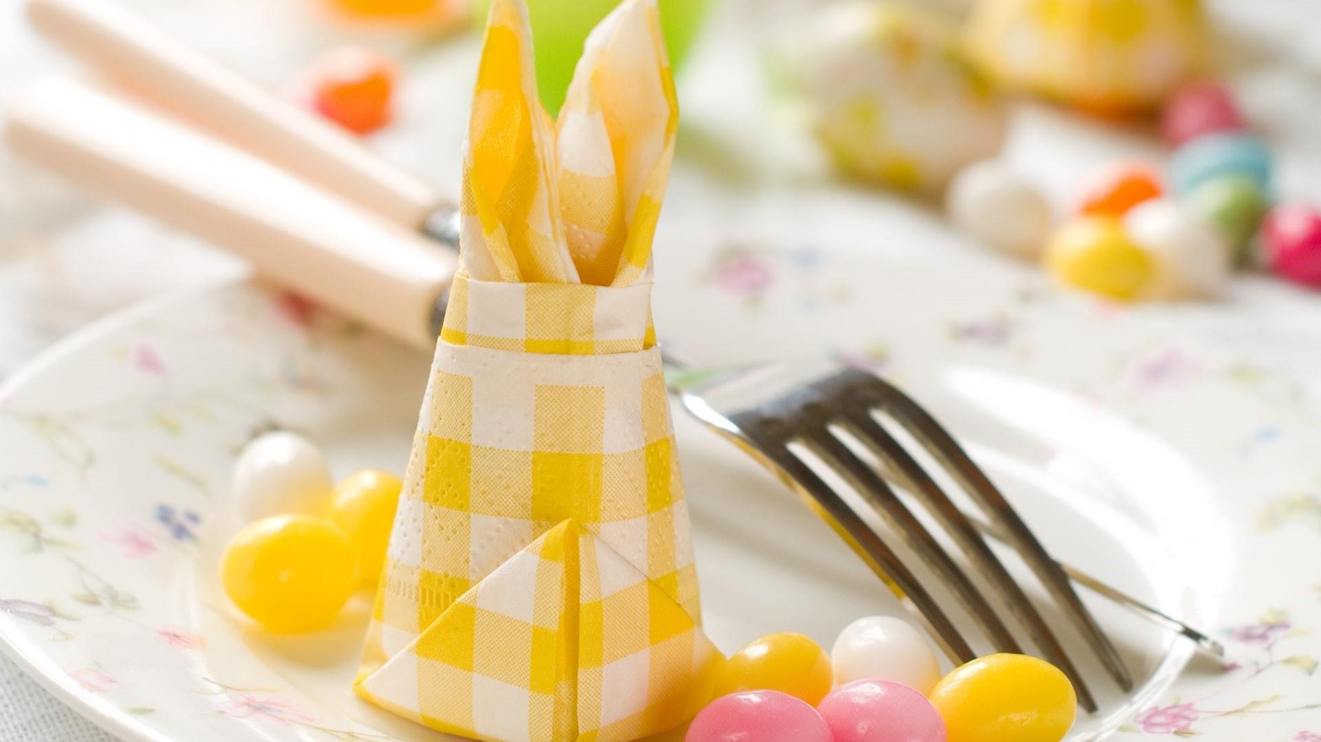 Déco de table de Pâques créative.