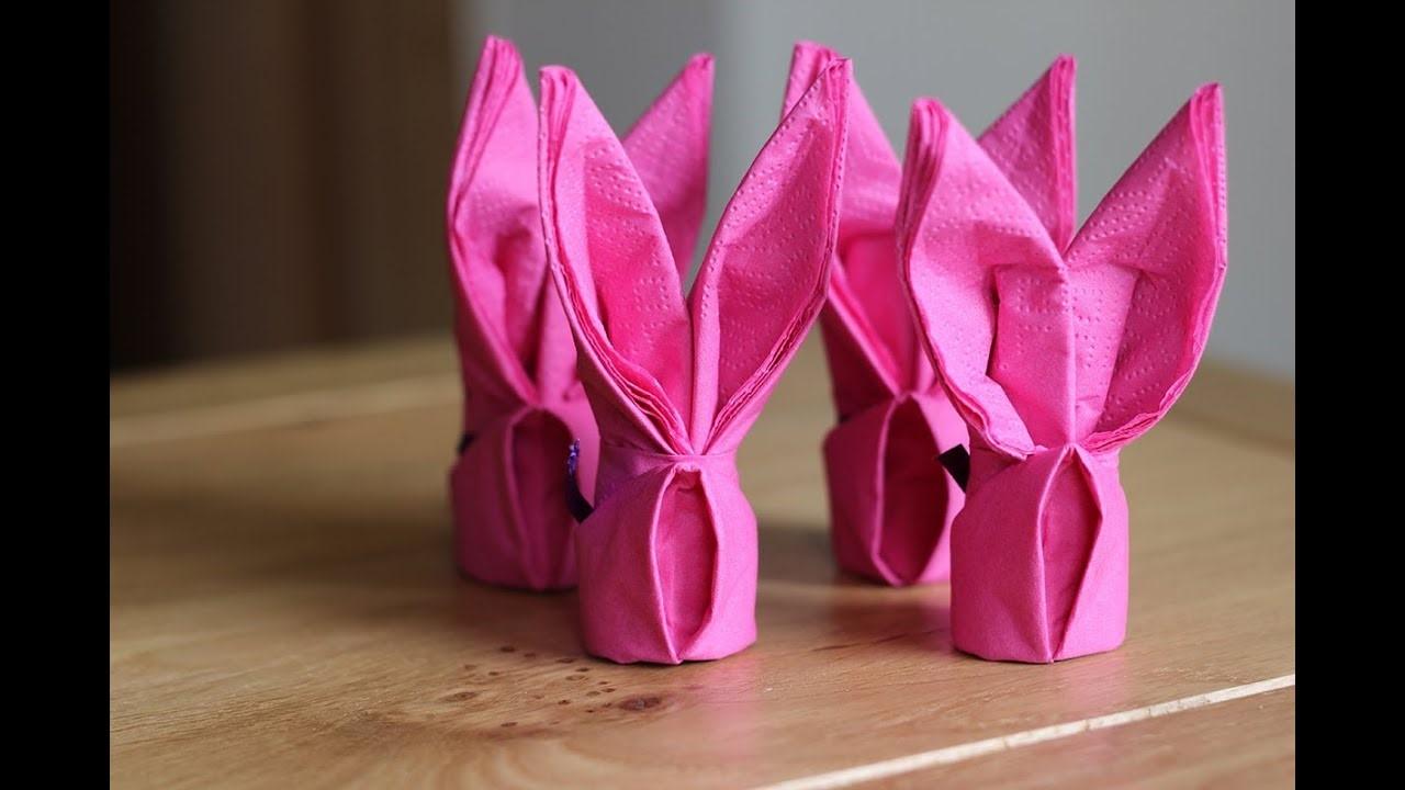 Oreilles de lapin couleur rose.
