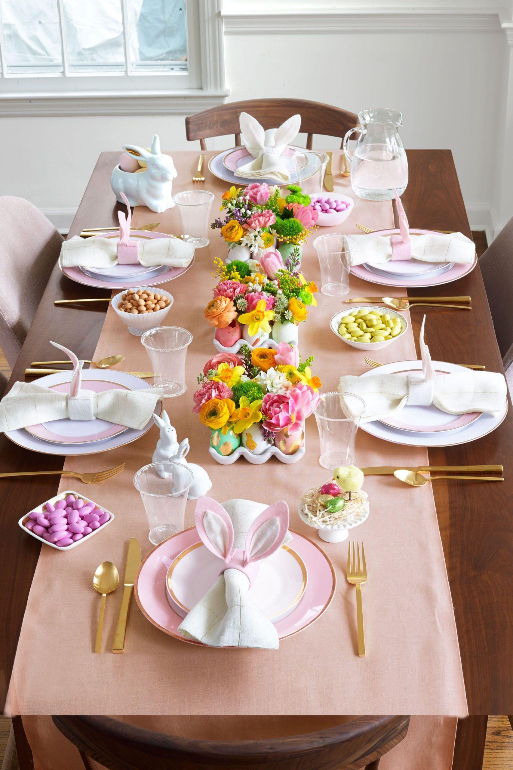 Table de Pâques festive.