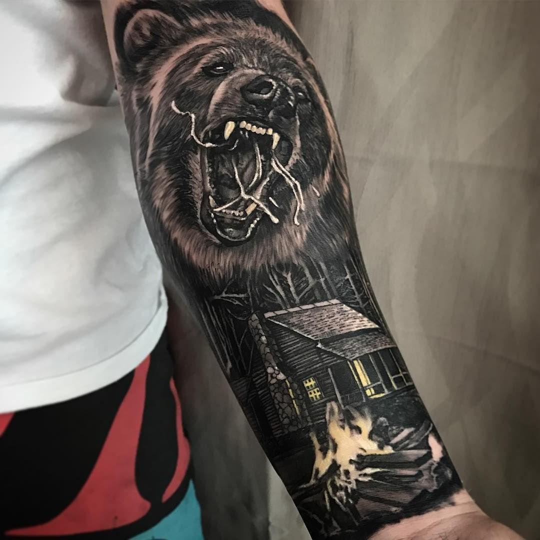 Le mythe, la légende et la tradition culturelle nous donnent des idées infinies sur lesquelles choisir des idées de tatouage ours significatives.