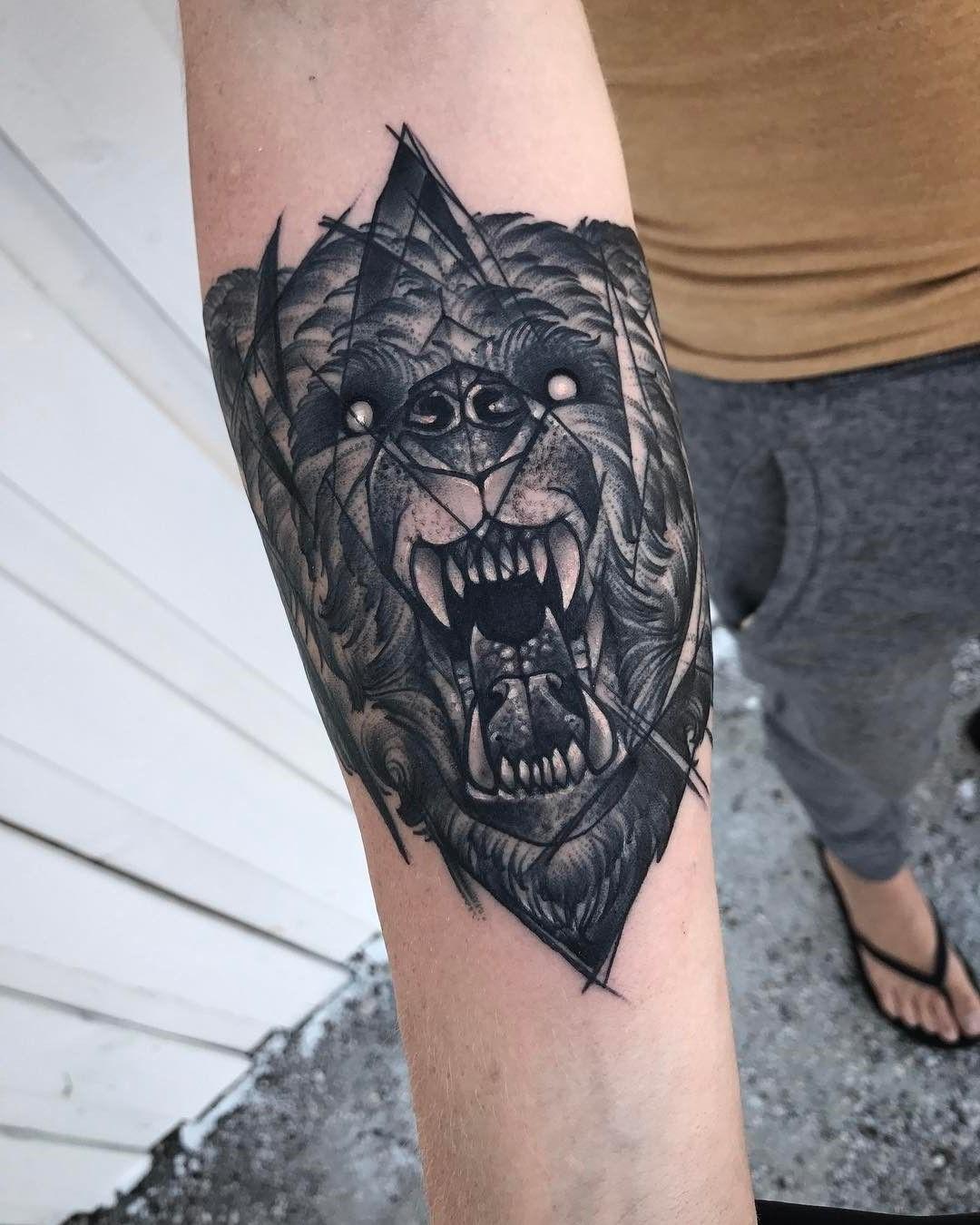 L'ours était un oracle sacré pour les Aïnous, qui sont une tribu indigène du Japon.