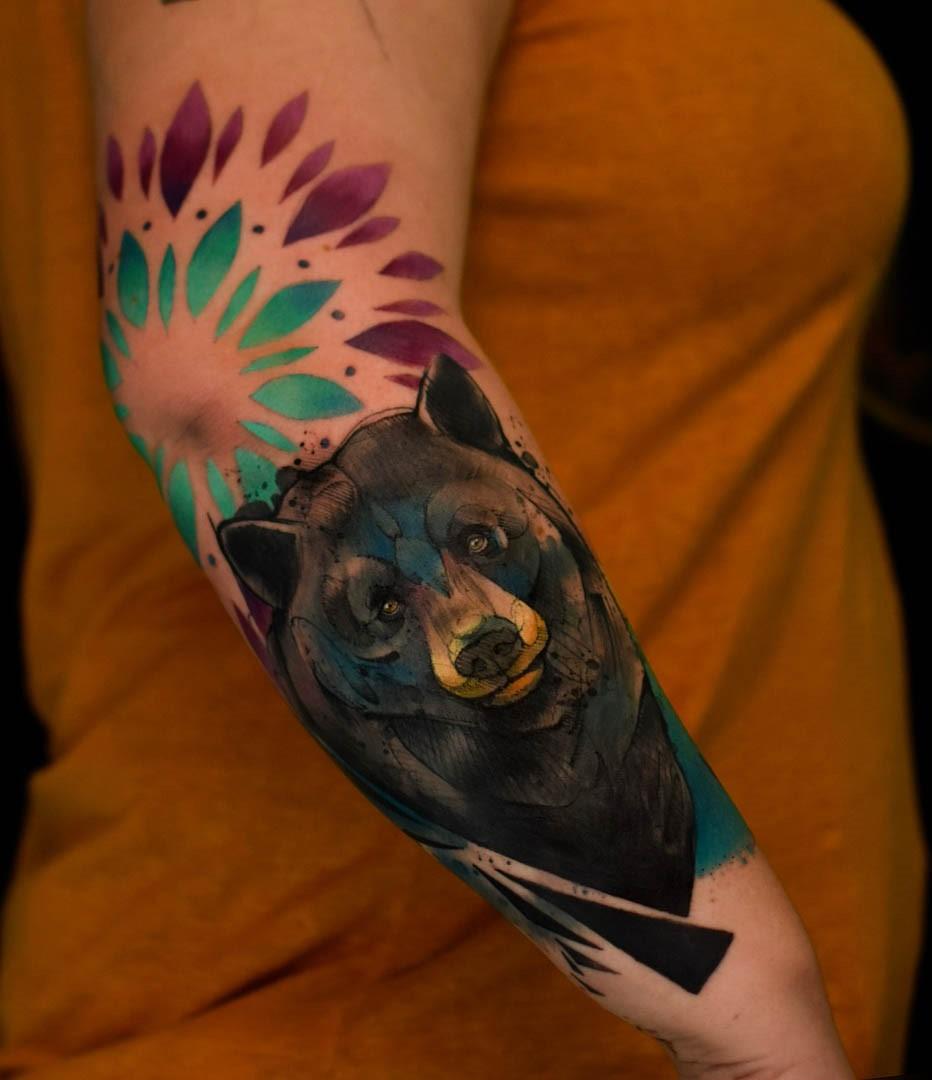 Tatouage ours: En effet, il existe des preuves d'un puissant culte de l'ours dans lequel les anciens Celtes se sont réunis pour honorer et adorer cette magnifique créature.