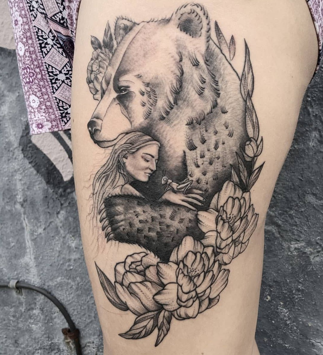 Pour l'ancien esprit celtique, l'ours est associé à la lune et porte donc un thème féminin.