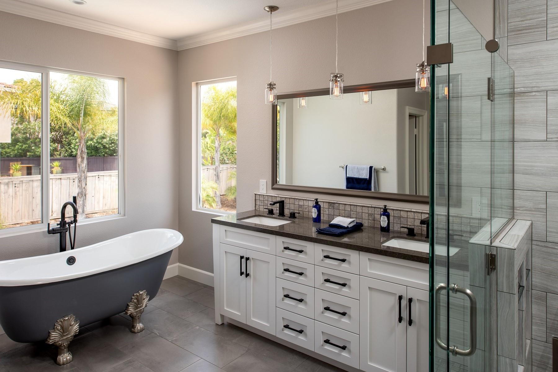 Salle de bains élégante.