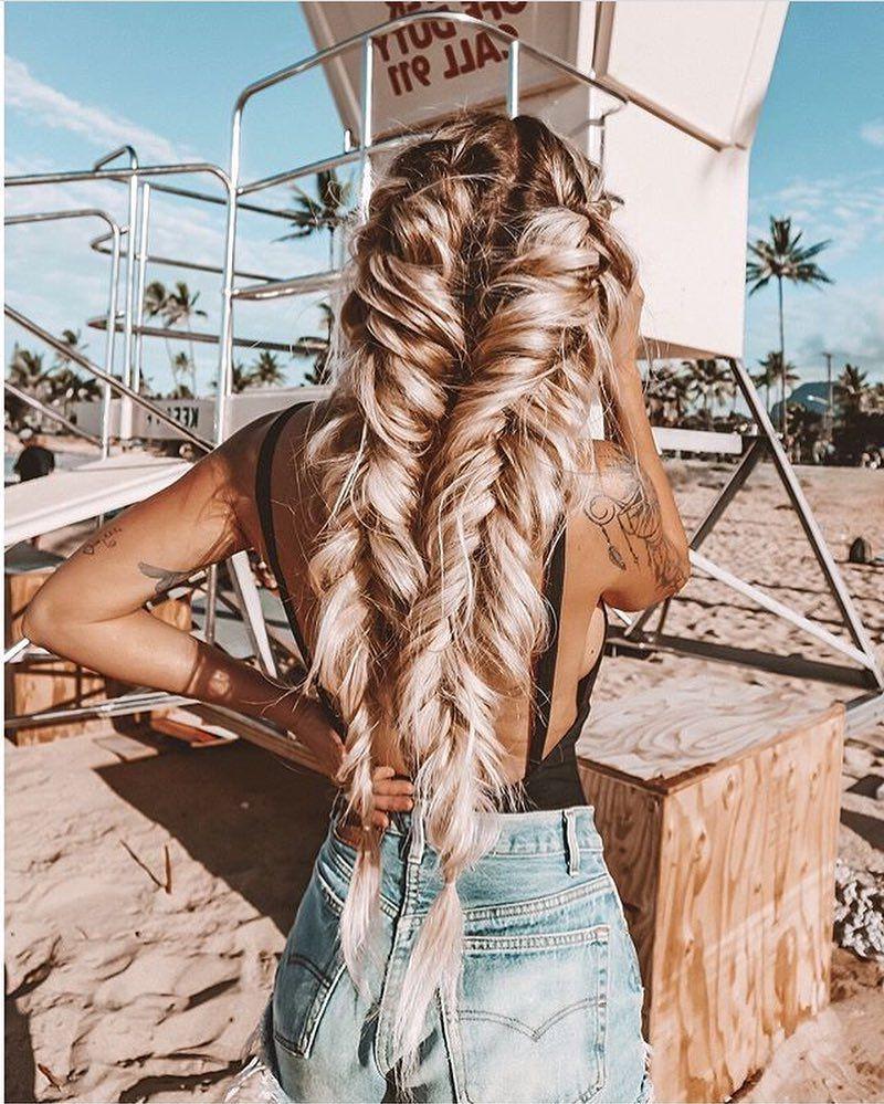 Conseil utile: utilisez un spray coiffant sur vos cheveux avant de les tresser.