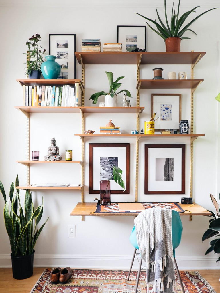 Bureau et étagères bricolage.